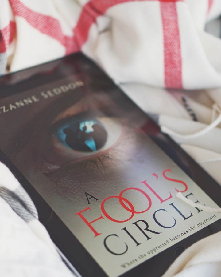 REVIEW: A Fool's Circle by SuzanneSeddon